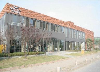 距市中心: 7公里 ;距火车站: 12公里; 距飞机场: 40公里 ; 位置 上海
